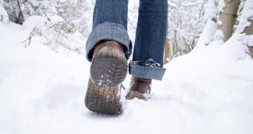 Fuss Schnee Wandern wp