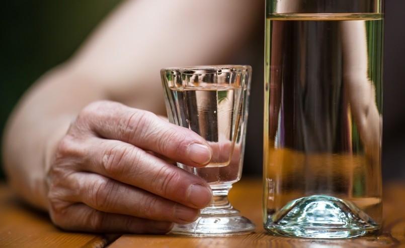 Wenn Frauen Trinken Bild AdobeStock Urheber R. Fuhrmann