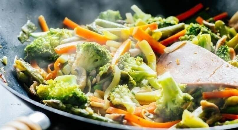 Wok stir fry with vegetables