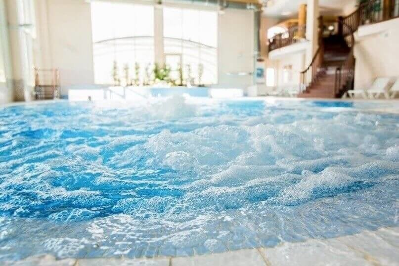 Waves in jacuzzi