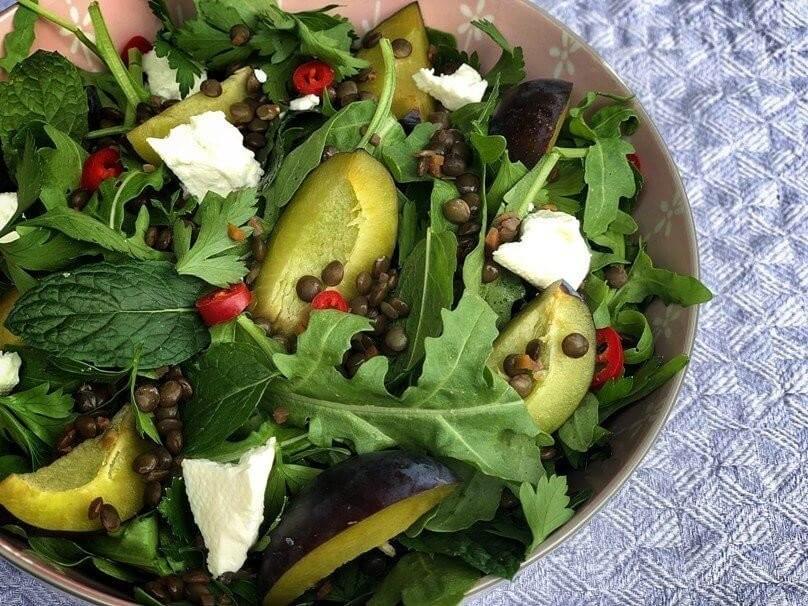 Zwetschgen Linsen Feta Salat