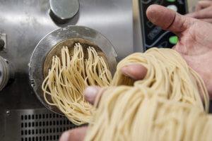 urdinkel pasta herstellung spaghetti AUFMACHERBILD 3