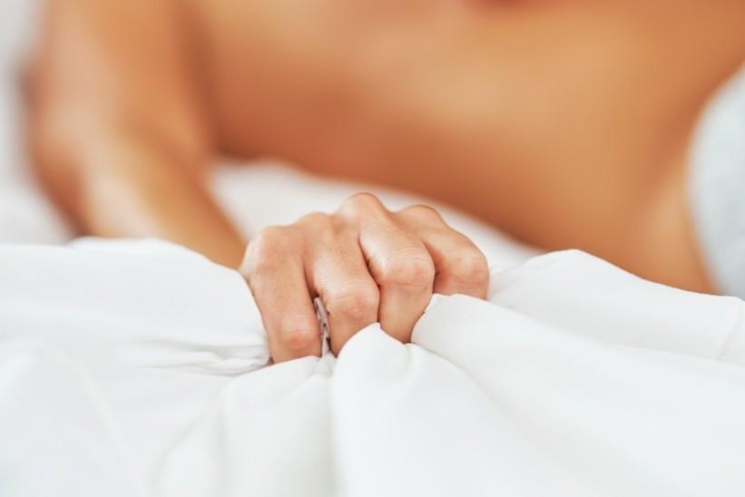 Damm Massage Bild AdobeStock Urheber Kalim