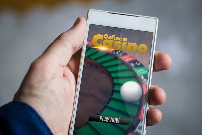 Spielsucht Bild AdobeStock Urheber georgejmclittle