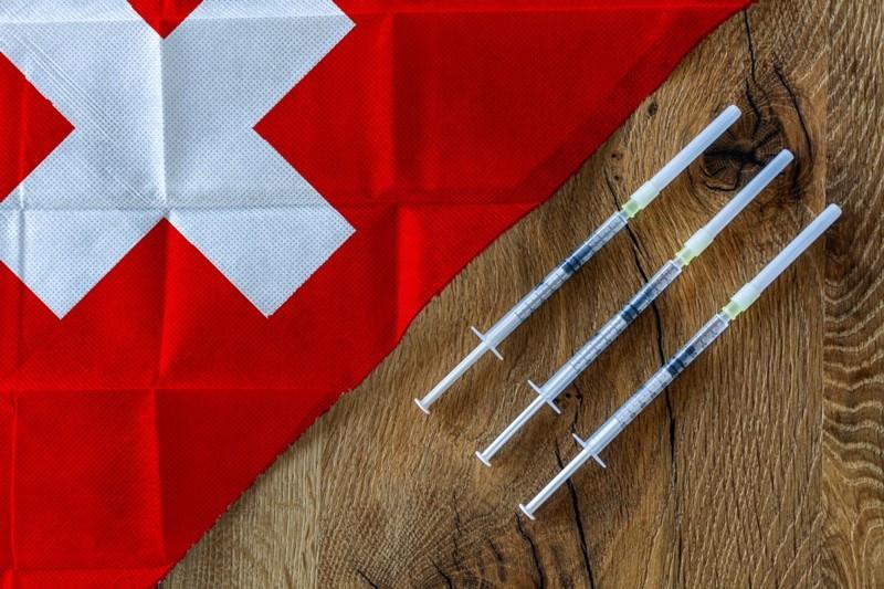 1Dritte Impfung AdobeStock 438621241 Lukas