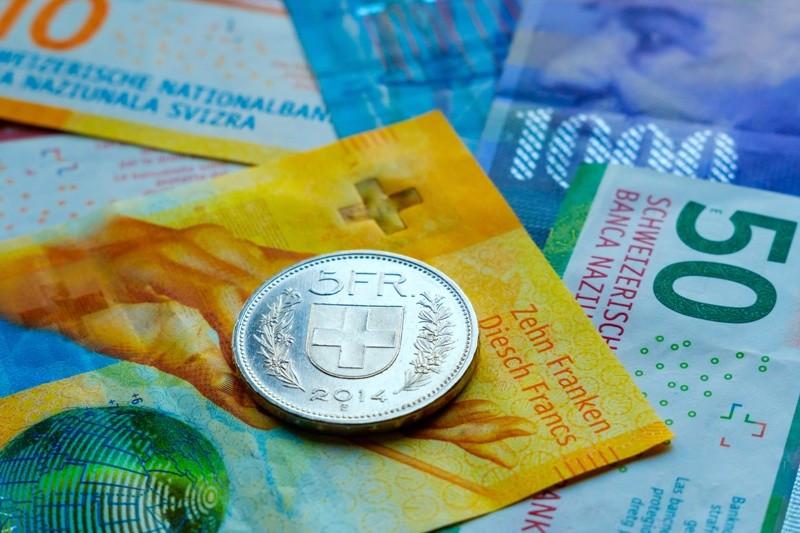 Bargeld Bild AdobeStock Urheber unbekannt